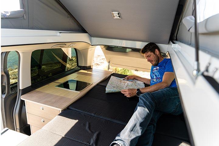 tntvans-conception-vente-location-van-amenage-modulable-super-equipe-aventourer-mercedes-13
